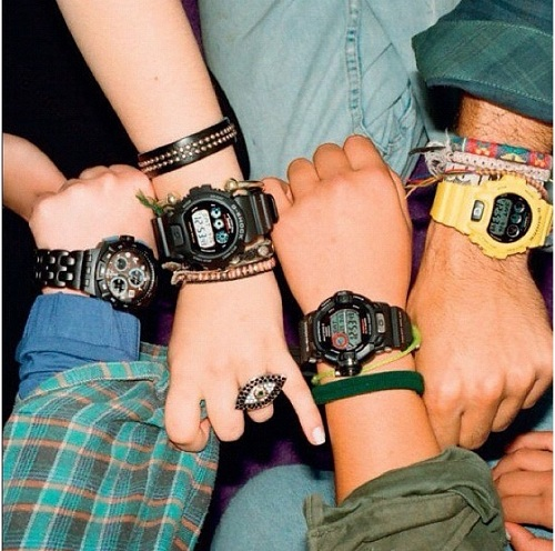 đồng hồ điện tử đẹp tạo sự nổi bật tuổi ô mai 1